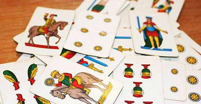 Alla scoperta delle carte napoletane