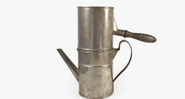La Caffettiera Napoletana, cuccumella, Morize o cuccuma: compie 198 anni