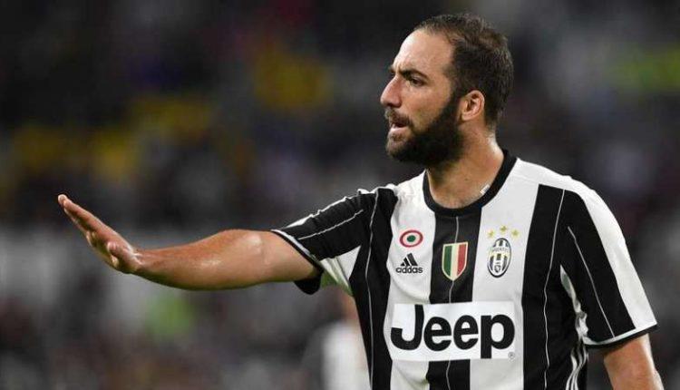 Arriva Higuain e SpaccaNapoli. La prima volta di Higuain a Napoli. Applausi, fischi o totale indifferenza? Come lo accoglieranno i tifosi.
