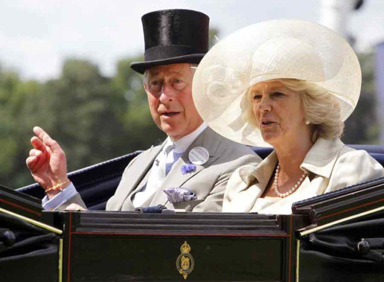 Carlo e Camilla ammaliati da Napoli, arriveranno il primo Aprile .