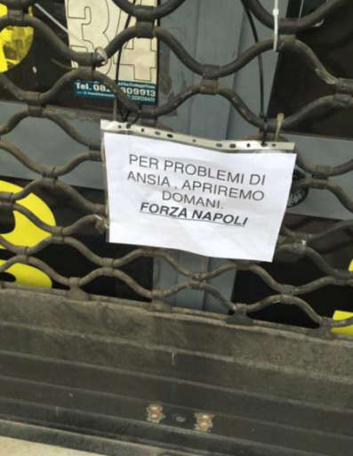 Università, negozi, teatri: Napoli chiude in anticipo