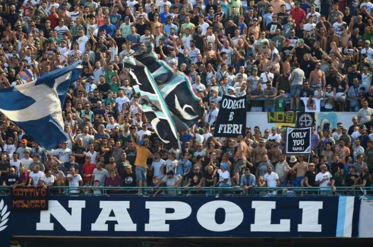 La curva A prepara la coreografia per Napoli-Real Madrid