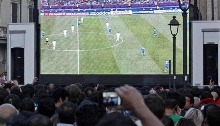 Napoli-Real Maxi-schermo sul Lungomare oggi si decide