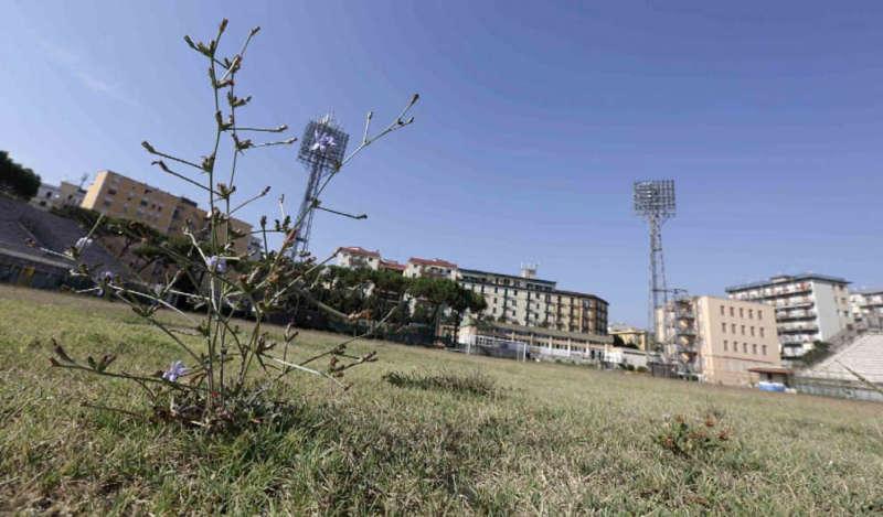 Stadio Collana chiuso: Malagò sbotta. De Magistris e De Luca fanno scaricabarile