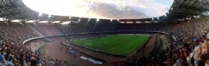 """Al San Paolo i 60mila tifosi """"galattici"""""""