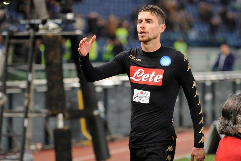 Napoli, rinnovo Jorginho, il centrocampista vale 40 milioni. Ecco gli scenari