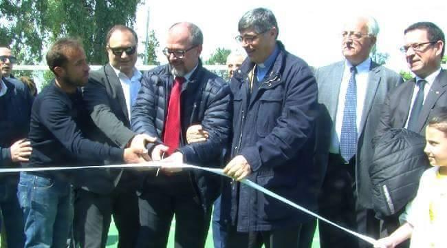 Inaugurato uno spazio giochi per i bambini del parco verde di Caivano