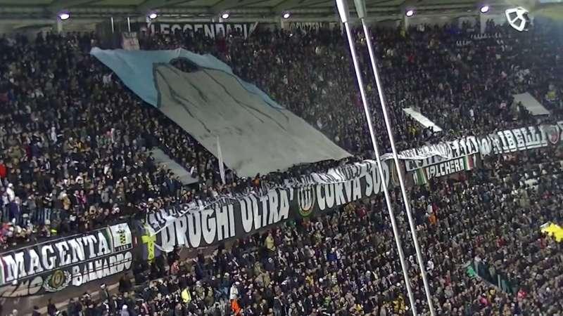 Juventus, cori contro i Napoletani. I cronisti fanno finta di non sentire
