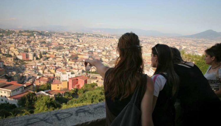 El Pais 8 motivi per visitare Napoli