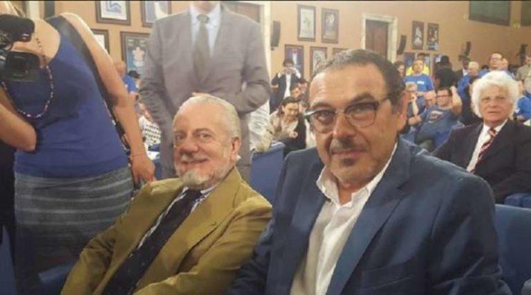 """Sarri dedica il premio ai tifosi, poi promette: """"A Napoli Ho un lavoro da finire"""""""