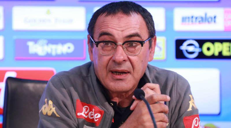 Sarri in conferenza stampa alla vigilia di Napoli-Cagliari ha parlato della corsa la secondo posto e del futuro del Napoli.