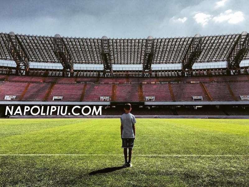 Stadio San Paolo sempre più vuoto? Perché? Cerchiamo di fare due conti.