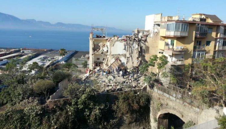 La tragedia di Torre Annunziata: Otto le vittime di un disastro annunciato
