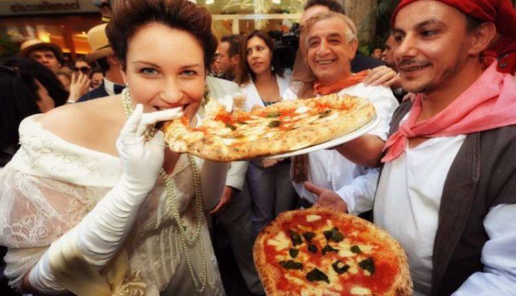 La pizza Napoletana nella top ten dei 50 piatti migliori del mondo. La World food 50 best della Cnn vede il piatto Napoletano al secondo posto.