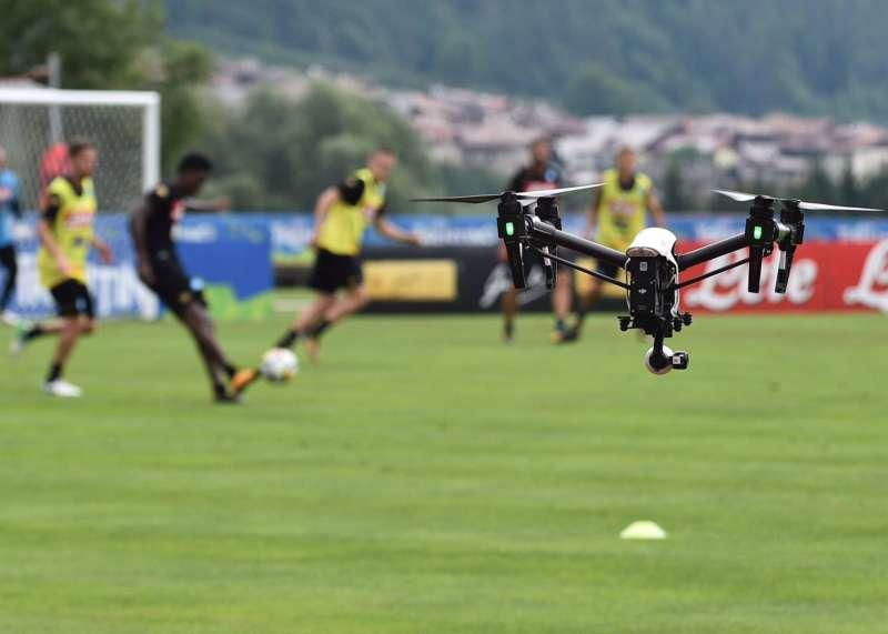 L'allenamento del Napoli visto dal Drone.