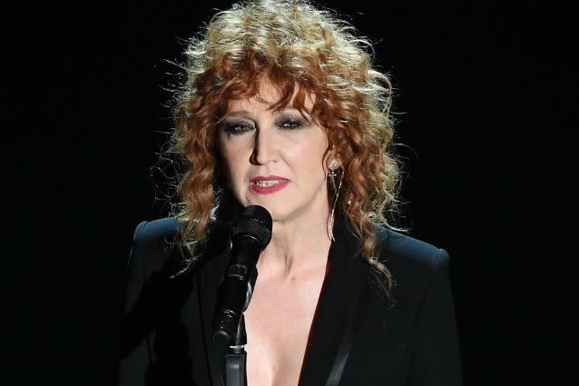Fiorella Mannoia replica a «Libero» «A Napoli non si bruciano da soli»