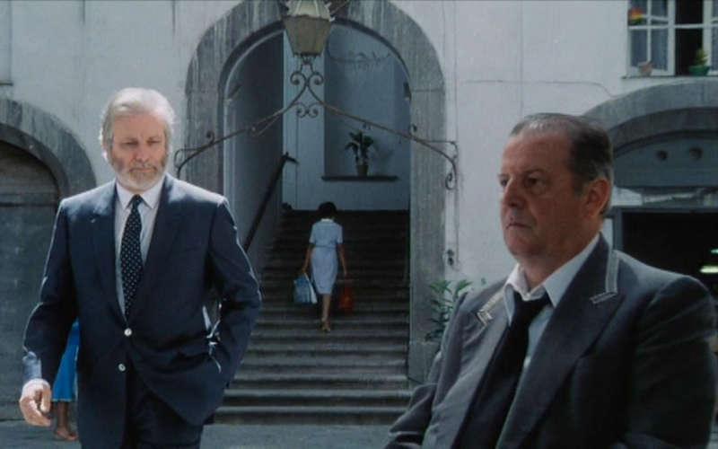 Il grande filosofo e scrittore Napoletano Luciano De Crescenzo compie 89 anni. Dall' Ibm alla filosofia senza mai dimenticare Napoli.