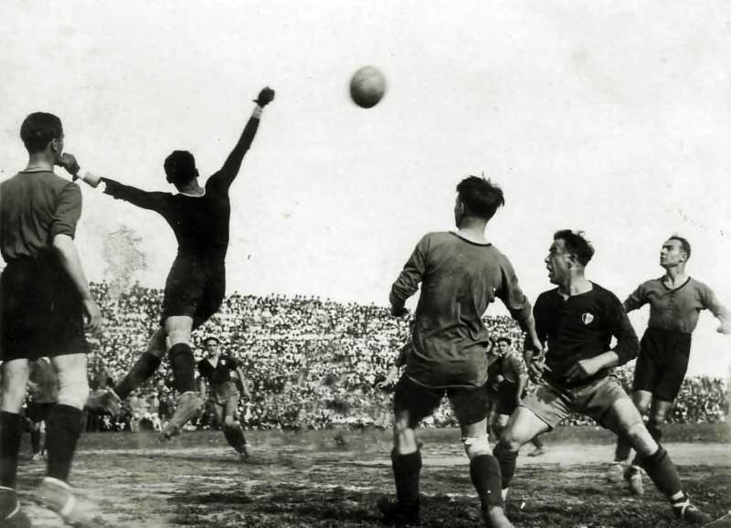 Il calcio lo sport più amato dagli Italiani. Ma come è nata la parola calcio?. Luigi Bosisio antesignano del termine Football o calcio?.