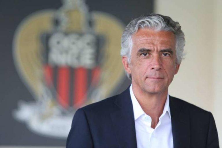 il grande Paolo specchia dall'alto della sua pluriennale esperienza il Champions sta spiegando come dovrà giocare il Napoli!!
