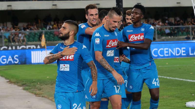 Al Bentegodi razzista urlano «scimmia» a tutti gli azzurri. La curva Veronese offende Insigne. Una pioggia di insulti cade sulla squadra di Sarri.
