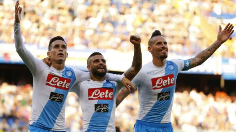Napoli quattro gare in nove giorni. inizia il tour de force per gli azzurri. tra campionato e Champions la squadra di Sarri è chiamata d un grande sforzo.