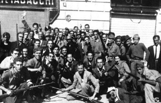 Le quattro giornate di Napoli: fu l'inizio del declino morale della città e del sud, ma anche del nord. Da quel momento, l'Italia divenne mafiosa.