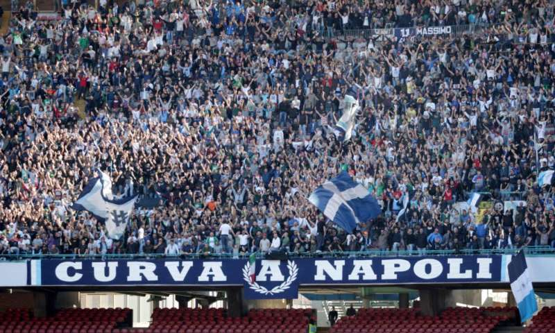 Cagliari-Napoli trasferta vietata ai campani