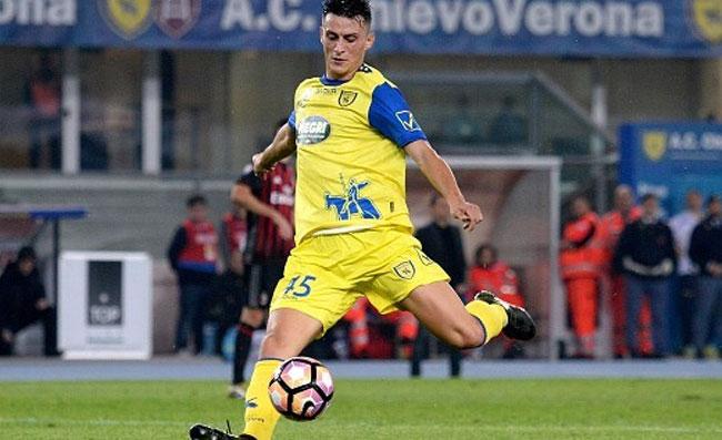 Infortunio Inglese, problema al ginocchio: salta il trasferimento al Napoli?