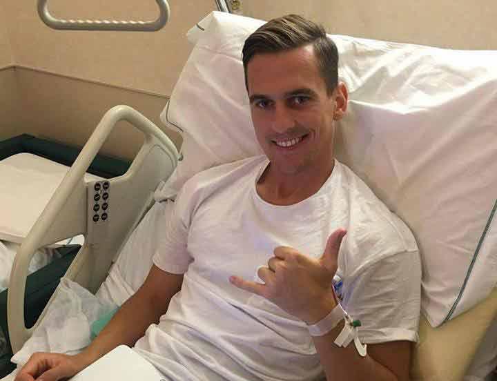 """Arrivano Le prime parole di Milik dopo l'operazione:""""tornerò più forte"""". L'attaccante del Napoli ha pubblicato un messaggio su Facebook."""