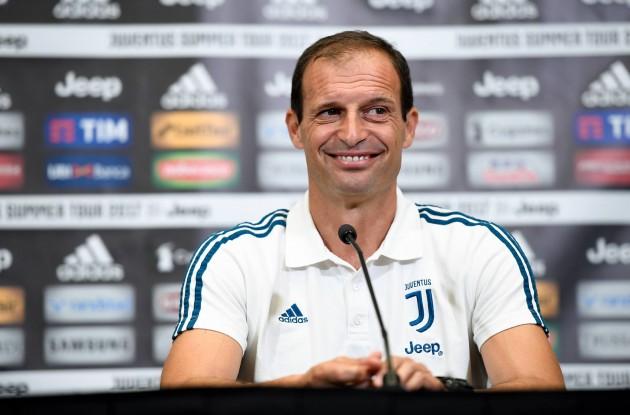 """Durante la conferenza stampa di presentazione di Mila-Juventus,Allegri cita ancora il Napoli: """"sono tre anni che gioca sempre con gli stessi, noi invece..."""""""