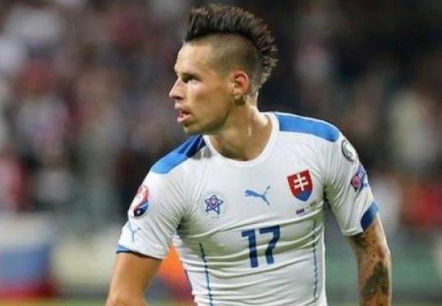 La rabbia di Hamsik dopo l'esclusione della Slovacchia, fuori a causa del regolamento. Il capitano cerca la rivincita con il Napoli.