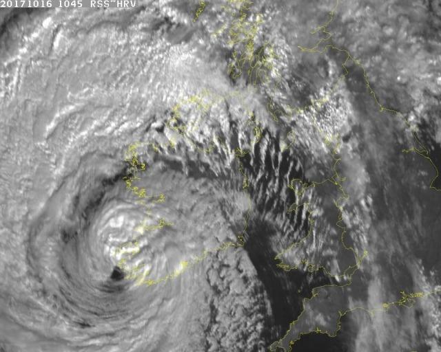 Champions League, Manchester City-Napoli, l'uragano Ophelia mette a rischio la partita. La tempesta in arrivo in Inghilterra.