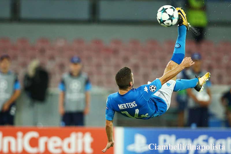 Da Mediaset una bella notizia per i Napoletani: la sfida di Champions tra Manchester City-Napoli visibile in chiaro su canale 5.