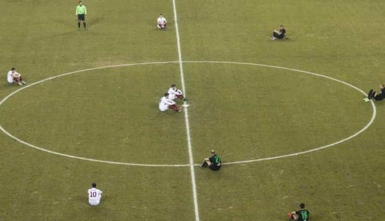 Serie A, calciatori Sit-In contro la FIGC. I giocatori pronti a sostenere Damiano Tommasi contro Tavecchio. Chiesto lo scioglimento del consiglio federale