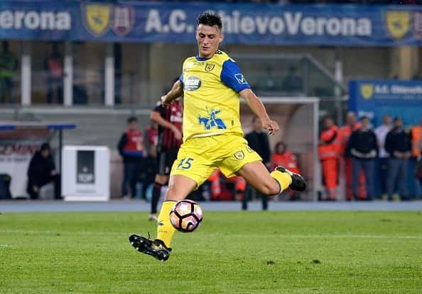 A Castel Volturno gira un'ipotesi su Inglese. Il calciatore al Chievo in prestito potrebbe clamorosamente restare a Verona.