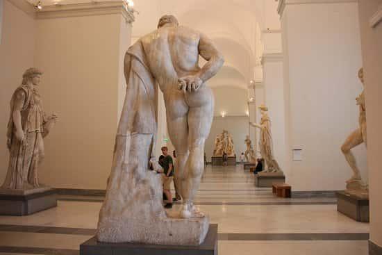 Artribune premia il MANN di Napoli è il miglior museo Italiano del 2017. Il Museo Archeologico di Napoli  è stato premiato per 'attuale managerialità e per la più importante esposizione di arte classica d'Occidente dalla fine del Settecento come il famoso Ercole Farmnese.