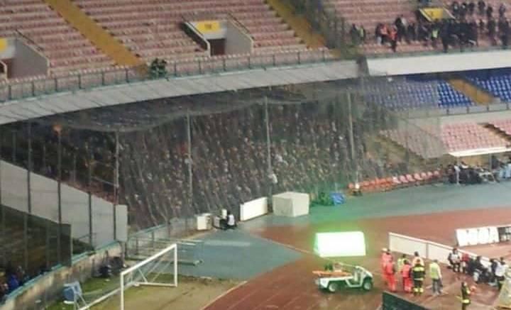 Cade un cancello al San Paolo, tragedia sfiorata prima di Napoli-Genoa