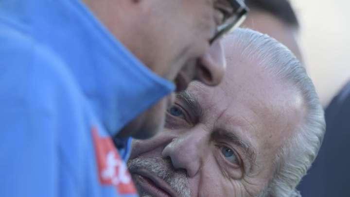 Sarristi e presidenziali. Ora Napoli è divisa in due