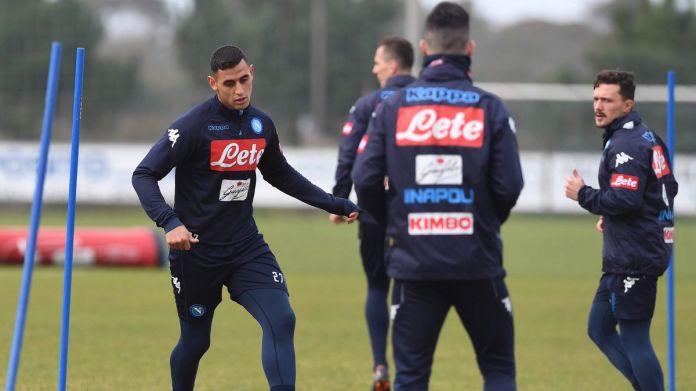 Il Napoli torna ad allenarsi in vista del Milan. Si rivede Ghoulam