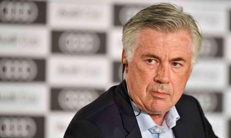 Ancelotti e De Laurentiis hanno parlato di mercato. Sono usciti anche i nomi di diversi giocatori ed in particolare di un giocatore che fa impazzire l'allenatore ex Milan.