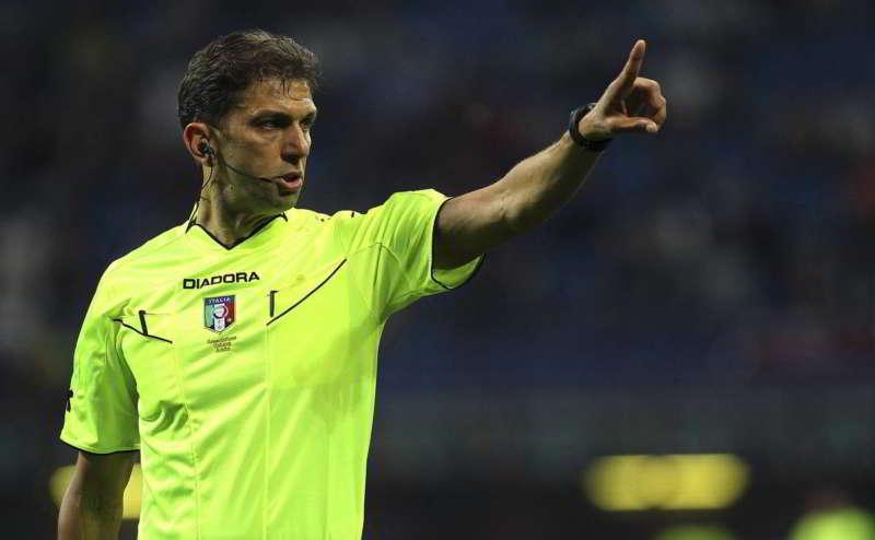 Paolo Tagliavento ha parlato dopo le polemiche sull'abbraccio ad Allegri. Tagliavento ha annunciato il suo ritiro dal mondo arbitrale.