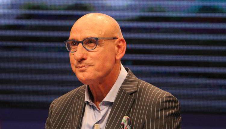 """Ciccio Graziani attacca Sarri. L'ex allenatore del Cervia stizzito dal comportamento del collega napoletano. Graziani a kiss kiss rivela anche: """"So cosa ha in mente Ancelotti""""."""