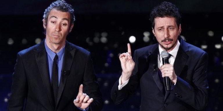 Lo scrittore Angelo Forgione attacca Luca e Paolo per una battuta razzista su Ancelotti e l'orologio rubato. Il duo comico Genovese bacchettati per l'ennesima battuta contro i napoletani.