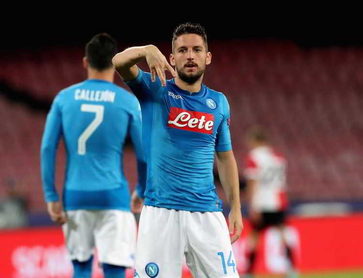 """Mertens pubblica un video emozionante. Il folletto belga arriva al cuore dei tifosi del Napoli: """"..Per il futuro e importante sapere che NOI napoletani non molliamo mai! Grazie a tutti e forza Napoli sempre"""""""