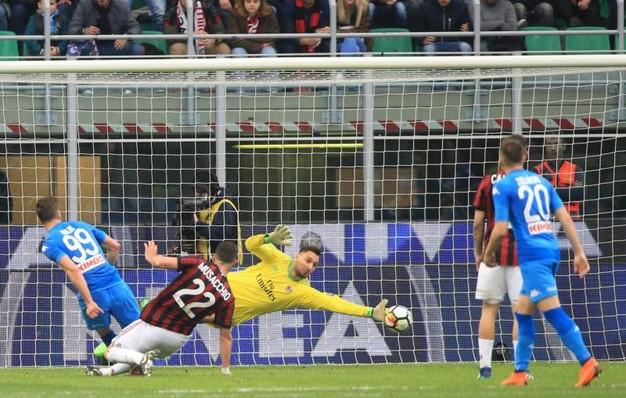 Da Lisbona voci sempre piu' insistenti: a Napoli arriva Rui Patricio. Ancelotti lo conosce molto bene e ha dato l'avallo, ma il Napoli sogna Donnarumma.