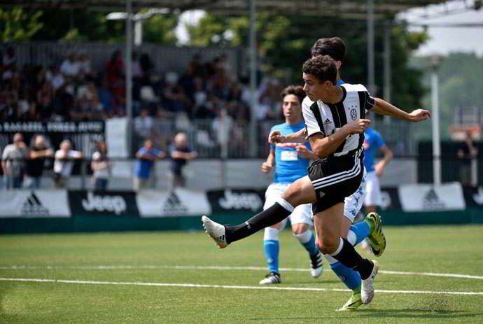 La Juventus under 15 canta: Napoli usa il sapone, dopo aver battuto gli azzurrini [VIDEO]