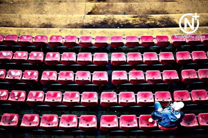 I lavori al San Paolo: subito pista e illuminazione. No ai sediolini