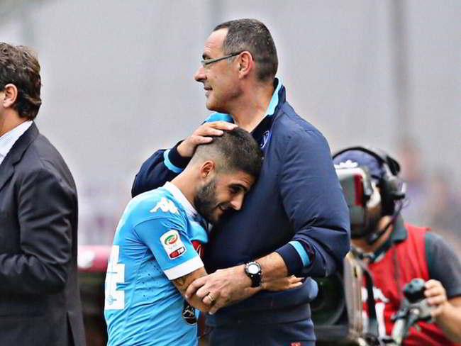 kiss kiss. Sarri medita un maxi scambio tra Napoli e Chelsea