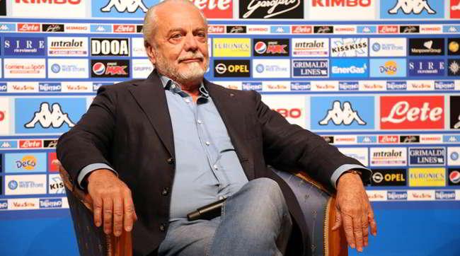 """""""Presidente noi vogliamo vincere"""": La risposta di De Laurentiis fa arrabbiare i tifosi"""