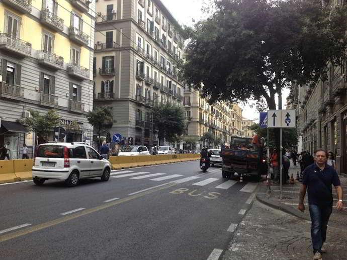 Napoli, turista picchiato perchè aveva la maglietta della Roma